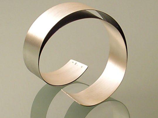 mr-armband